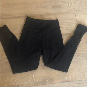 Lululemon size 6 mesh cutout leggings
